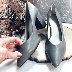 1. State Gray Pointed Toe Block Heel Pumps Sz 7.5M